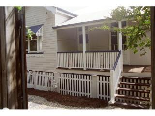 View profile: Three Bedroom classic Queenslander within walking distance to Royal Brisbane Hospital!