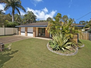 View profile: SHORT TERM LEASE - BEAUTIFUL FAMILY HOME